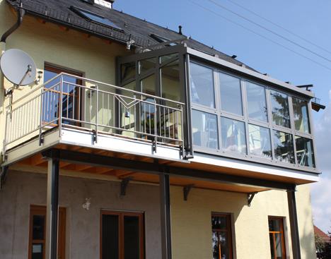 wintergarten mit balkon drauf verschiedene arten von. Black Bedroom Furniture Sets. Home Design Ideas